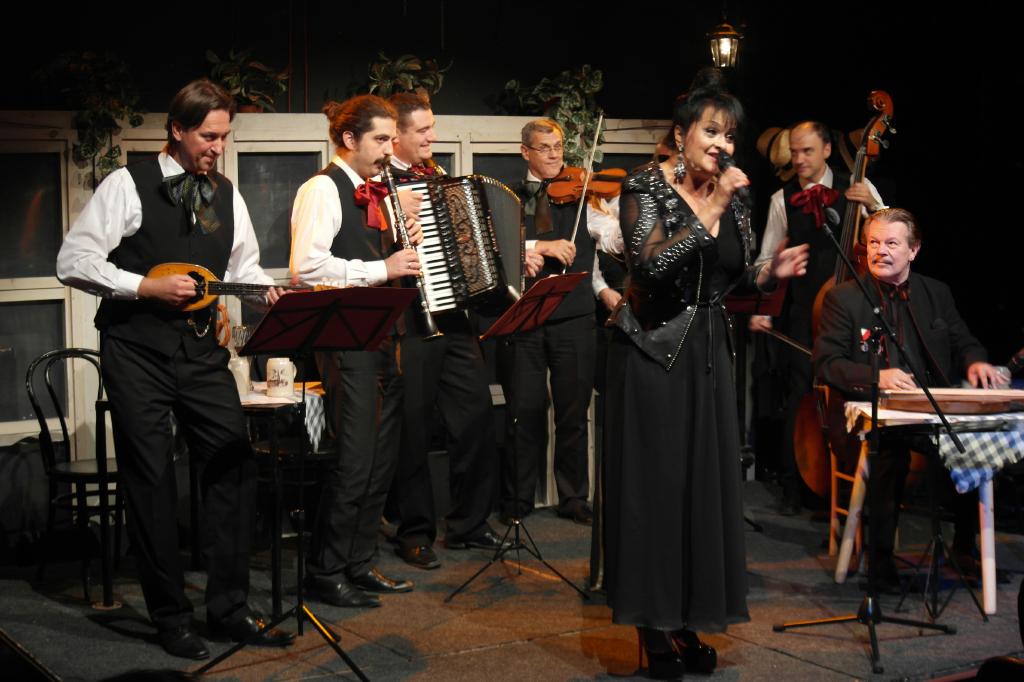 """Izvorinka Milošević und Ensemble """"Danica"""" im Konzert in Salzburg"""