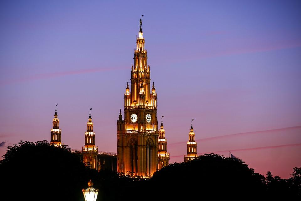 Ples u Beču: Javni čas i besplatno učenje ispred Rathaus-a
