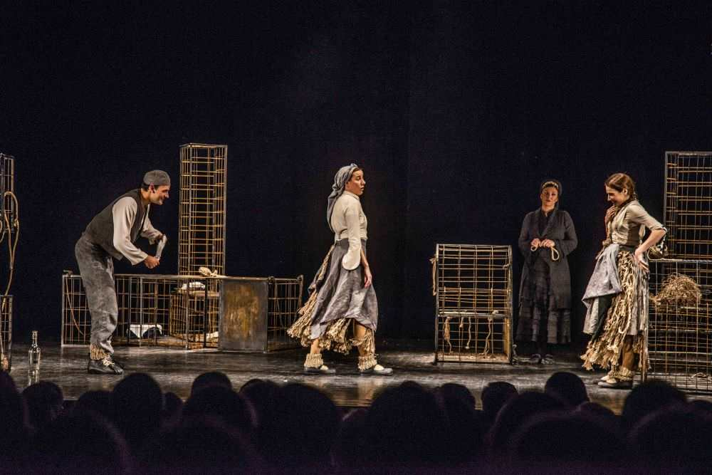 "Predstava ""Petrijin venac"" (Atelje 212) u Akcent teatru"
