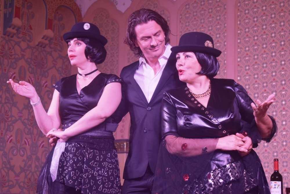 """Kabaretska predstava """"Dobri čovek"""" gostuje u Beču"""